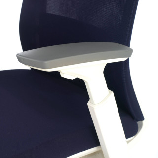 Gesture chair white blue