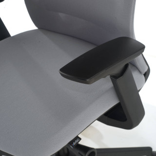 Gesture chair black grey