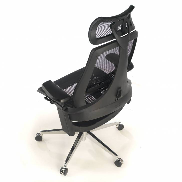 Thunder ergonomic chair black